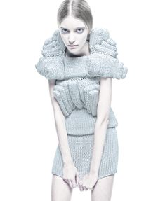 That's some cool knitting by Sandra Backlund for her spring summer 2009 Pool Position collection. 3d Fashion, Knitwear Fashion, Knit Fashion, Couture Fashion, Fashion Outfits, Fashion Design, Fashion Trends, Sandro, Harrods