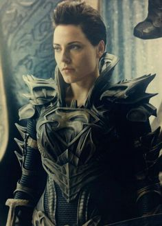 Antje Traue as Sub-Commander Faora in Man of Steel movie