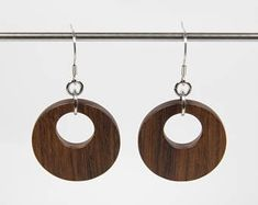 Oorbellen & Druppel Hanger   Etsy NL Wood Earrings, Dangle Earrings, Wooden Hoop, Orange Brown, Dangles, Woodworking, Stainless Steel, Etsy, Products