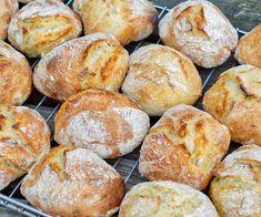 Mcdonalds, Ciabatta, Cloud Bread, Piece Of Bread, Treat Yourself, Pretzel Bites, Bread Baking, No Bake Cake, Scones