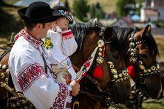edition of FS under Kralova hola in Liptovská Teplička Folk Costume, Costumes, Traditional Clothes, European Countries, The Shining, Czech Republic, Ethnic, Bridal, How To Wear