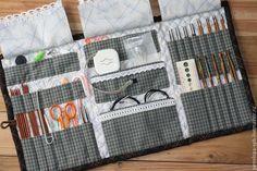 Fotografije na zidu zajednice Crochet Hook Case, Crochet Hooks, Knitting Needle Storage, Sewing Crafts, Sewing Projects, Needle Book, Craft Bags, Fabric Bags, Knitting Accessories