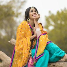 Cute Girl Poses, Girl Photo Poses, Girl Photos, Beautiful Suit, Beautiful Girl Indian, Cute Girl Face, Cute Girl Photo, Punjabi Girls, Punjabi Suits