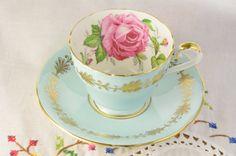 Aynsley pastello blu tè tazza e piattino grande di VieuxCharmes