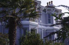Located in Hastings km from White Rock Theatre The White House offers accommodation with water sports facilities and a garden. The White House Hastings UK R:East Sussex hotel Hotels Great Hotel, Bar Drinks, East Sussex, Water Sports, Outdoor Pool, Terrace, Mansions, House Styles, Hotels