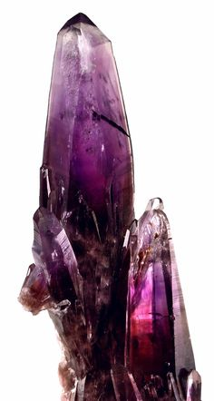 Amethyst cluster ranging from deep Purple, Grape Juice Coloured Cores to clear Amethyst Cluster, Guerrero, Mexico Magenta, Purple Haze, Minerals And Gemstones, Rocks And Minerals, Art Beauté, Amethyst Cluster, Amethyst Gemstone, Beautiful Rocks, Mineral Stone