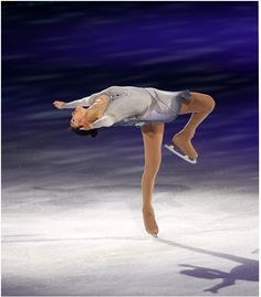 2010 All That Skate LA : Yuna spin