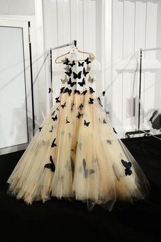 Платье королевы. Бабочек