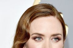Emily Blunt Talks Mary Poppins