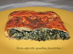 Good evening to all! Tomorrow begins the week, so tonight we want to recommend a suitable recipe you can prepare after work even if you are tired. Try our herbs roll, as always on our blog #Nonapritequellapentola! http://blog.giallozafferano.it/nonapritequellapentola/rotolo-di-erbette/