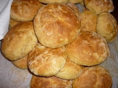Mummon porkkanasämpylät Lidl, Baking Recipes, Sandwiches, Brunch, Cupcakes, Organic, Ideas, Breads, January