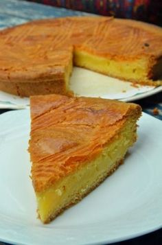 - 750 grams offers this recipe: Basque cake. Recipe rated by 49 voters and 4 comments. Basque Cake, Basque Food, Sweet Recipes, Cake Recipes, Dessert Recipes, Gateau Basque Recipe, French Cake, Thermomix Desserts, French Pastries