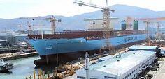 le plus grand bateau du monde   le plus grand bateau du monde: Maersk Mc Kinney Moller    record du monde porte container photo Maersk Mc Kinney Moller image bateau