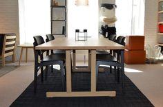UDSALG på designmøbler, belysning og boligtilbehør! Conference Room, Dining Table, Furniture, Design, Home Decor, Homemade Home Decor, Diner Table, Dinning Table Set, Meeting Rooms