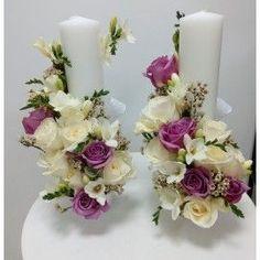 Lumanari cilindrice frezii si trandafiri Candle Arrangements, Christmas Flower Arrangements, Floating Candle Centerpieces, Floral Centerpieces, Pillar Candles, Wedding Centerpieces, Floral Arrangements, Diwali Craft, Floral Wedding