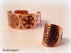 Artizan in cupru Copper Bracelet, Cuff Bracelets, Missoni, Rings For Men, Clipuri Video, Leather, Handmade, Jewelry, Instagram