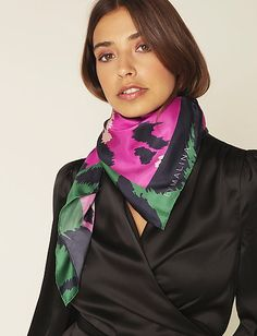 Silk Neck Scarf, Ribbon Crafts, Neck Scarves, Scarfs, Knots, Women's Fashion, Model, How To Wear, Beauty