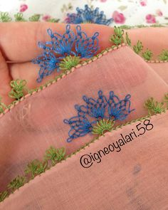 This Pin was discovered by Asu Needle Tatting, Needle Lace, Bobbin Lace, Needle And Thread, Crochet Unique, Crazy Quilt Stitches, Crochet Borders, Quilt Stitching, Lace Making