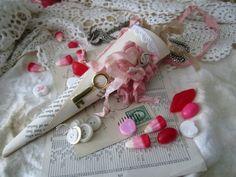 Romantic vintage tussie mussie