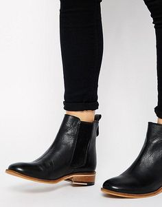 Bertie Palace Chelsea Flat Boots
