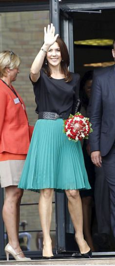 Color Coordinated Closet, Mary Donaldson, Princess Marie Of Denmark, Charlotte Casiraghi, Crown Princess Mary, Office Wear, Offices, Style Icons, Work Wear