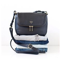 """TOSHIKO S. no Instagram: """"You can never go wrong with denim or this versatile @fossil crossbody bag! Simple. Functional. Classic. #fossilstyle #fossilpartner"""""""