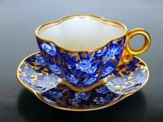 Really like the colors, shape, and pattern on this lovely tea cup;