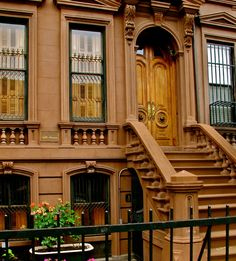 Classic 5th Ave Brownstone    http://beautiful-portals.tumblr.com/post/7048075110/allleft-5th-ave