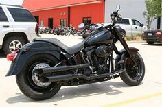 Google Image Result for http://www.hdforums.com/forum/attachments/softail-models/10981d1225687823-fatboy-makeover-complete-almost-harley-davidson-fat-boy-black-773401.jpg