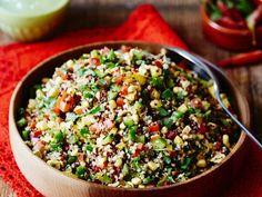 Quinoa-Gemüsesalat ist ein Rezept mit frischen Zutaten aus der Kategorie Gemüsesalat. Probieren Sie dieses und weitere Rezepte von EAT SMARTER!