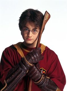 Griffendor Quidditch Seeker Harry Potter (Daniel Radcliffe) in Harry Potter and the Chamber of Secrets (2002)