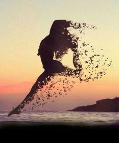 """""""Felicidades é uma vibração intensa, é o momento que eu sinto a vida em plenitude dentro de mim"""". Mario Sérgio Cortella"""