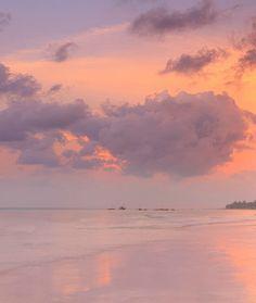 New photography nature beautiful sky Ideas Peach Aesthetic, Sky Aesthetic, Japanese Aesthetic, Retro Aesthetic, Nature Architecture, Pretty Sky, Pretty Pictures, Beautiful Sky Pictures, Beautiful Sunset