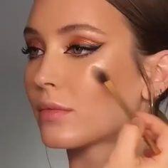 natural makeup for brown eyes . natural makeup for black women . natural makeup looks . natural makeup for blue eyes . natural makeup for green eyes Makeup Hacks, Makeup Inspo, Makeup Inspiration, Makeup Ideas, Makeup Trends, Hair Hacks, Makeup Guide, Makeup Geek, Makeup Remover