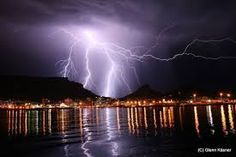 I happened to be up early in the morning when I noticed an approaching electrical storm, a rare event for Cape Town, South Africa. I must have had the best seats in the house as the show gradually moved right over Table Mountain. Mother Earth, Mother Nature, Cape Town Tourism, Table Mountain Cape Town, Pictures Of Lightning, Thunderbolt And Lightning, Le Cap, Wild Weather, Outdoor Pictures