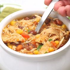 Zero Point Weight Watchers Taco Soup packed with chicken breast beans corn tomatoes and tons of taco flavor. Cooked in the slow cooker or on the stove-top this healthy dish will feed a crowd and couldn't be easier to make. Weight Watcher Taco Soup, Plats Weight Watchers, Weight Watchers Meal Plans, Weight Watchers Diet, Weight Watcher Dinners, Weight Watchers Chicken Stew Recipe, Weight Watcher Points, Weight Watcher Breakfast, Weight Watchers Meatloaf