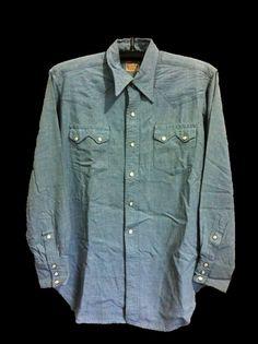 VTG.LEVI'S SHORT HORN RAYON WESTERN SHIRT SZ.M/L Western Outfits, Western Shirts, Western Wear, Vintage Denim, Vintage Shirts, 50s Vintage, Denim Button Up, Button Up Shirts, Denim Jeans