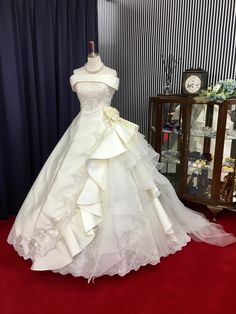 367e00da4b423 名古屋 ウェディングドレスとタキシード|サロンドクチュールナカムラ|オーダー・レンタル