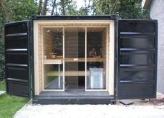 Sauna in shipping container by Bouwjeeigensauna.comhttp://www.bouwjeeigensauna.com/bouw-van-je-sauna/voorbeelden-en-inspiratie/sauna-container