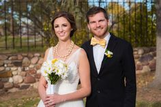 White Daisy Events | Spring Style Photo shoot | Yellow Wedding | Bride and Groom | Daisy Flowers