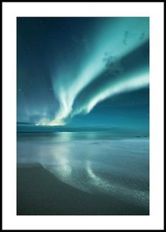 Magnificent nature poster of the natural phenomenon called Aurora Borealis, also known as the Northern Lights. Aurora Borealis have always been a source of wonder for humanity for thousands and thousands of years. Poster Mural, Art Mural, Poster Prints, Wall Art, Morning Sun, Poster Xxl, Batman Poster, Hogwarts, Carte New York