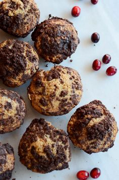Cranberry Chocolate Chunk Muffins with Chocolate Streusel http://www ...