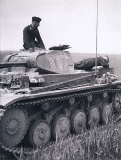 PzKpfw II (4) Panzer Iii, Ww2 History, Tiger Tank, Ww2 Photos, Military Equipment, German Army, North Africa, Godzilla, Warfare