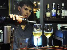"""$89 por Estadía de 1 noche para 2 personas + Botella de vino en Bar Gatto Blanco + 10% de Descuento en restaurante Gatto Negro + """"Late Checkout"""" (Compra más de 1 noche para extender tu estadía) - Gustazos"""