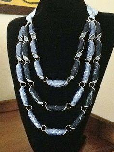 Sotão da Ritinha                                                                                                                                                                                 Mais Chat Crochet, Recycled Jewelry, Body Jewellery, Homemade Jewelry, Beads And Wire, Fashion Bracelets, Jewelry Art, Jewelery, Ideas