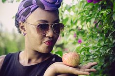 Lady with an apple, assignment for www.picturenative.com