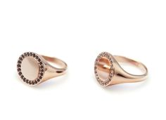 Image of Amellie pinky signet ring