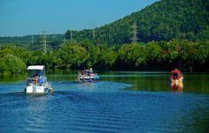 Das heutige tolle Spätsommerwetter ...  lud geradezu ein, eine Bootstour zu unternehmen. Das dachten sich auch diese drei in Merzig. Wohl dem, der ein Boot hat. :-)