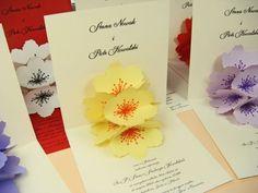 zaproszenie ślubne z trójwymiarowym papierowym kwiatem