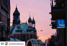 Wyróżnienie: zdjęcie wykonane przez @przesmiewca. Gratuluję i zapraszam do tagowania swoich zdjęć #poznagram. Kolejne wyróżnienie już za tydzień :) #Poznań #poznan #poland #polska #posen #city #vscocam #vscopoland #vsco #repost #poznangram #award by poznagram